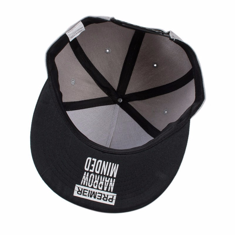 a7861c23af6 2017 new fashion snapback cap flat brimmed hat brim hat wild personality  hip hop hats for men women-in Baseball Caps from Apparel Accessories on ...