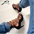 2017 Verão Sandálias Gladiador Das Mulheres Sapatos de Salto Alto Cross-amarrado Sandálias Ocas Mulheres Sandálias Pretas Saltos Sapatas Das Senhoras Grande tamanho40