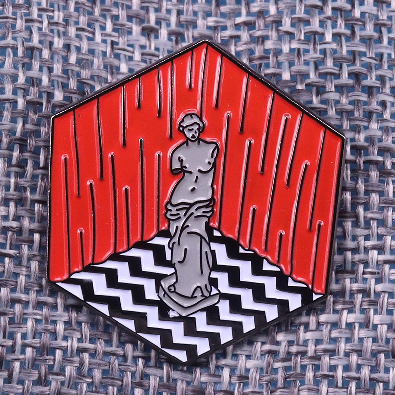 Twin peaks enamel pin peculiar statue brooches iconic black white floor badge David Lynch movie fans gift cube art accessories image