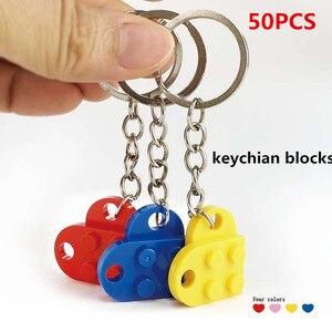 Image 1 - 50 יח\סט מפתח שרשרת בלוקים לב בריק אבני בניין בלוקים אביזרי Keychain בלוק דגם ערכות סט DIY צעצועים לילדים