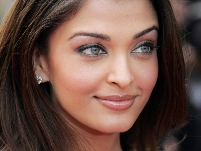 Collection Here D0035 Aishwarya Rai Top 10 Hottest Women-print Silk Art Wall Poster Preventing Hairs From Graying And Helpful To Retain Complexion Home Decor