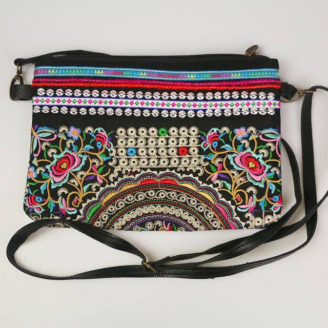 2016 Chinese Tribal Ethnic Embroidery Day Envelope Ethnic  Clutch Bag Handmade Handbags Bolsa Feminina Pequena De Marca Famosa
