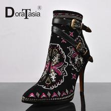Sexy Double Buckles Less Platform Zipper Shoes For Women Winter Boots Retro Ethnic Embroidered Pointed Toe High Heel Ankle Boots