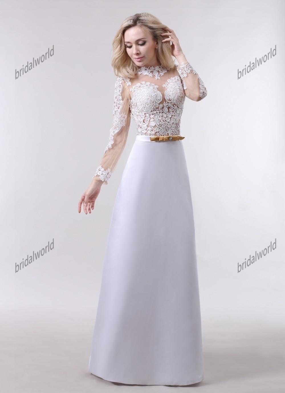 Атласное длинное платье с рукавом