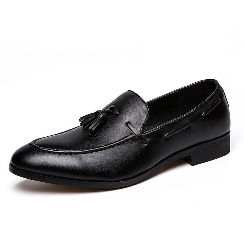 2018 di Moda di Lusso Fatti A Mano Nappa Genuino Scarpe di Cuoio Mocassini Gentleman Lo Stress Scarpe di Alta Qualità Degli Uomini di Affari Formale Scarpe