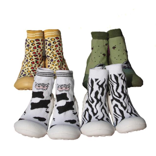 Anti-Slip Zapatos Inferiores Suaves Respirables Calcetines de Algodón Niño Niña Niños Piso Calcetines Con Suela De Goma Para Niños Botas Calcetines Ws934