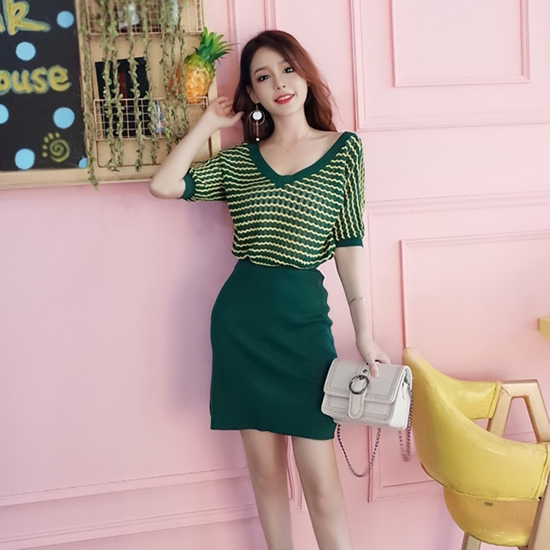 Women's Sexy Casual V-Neck Striped Short Sleeve Slim Knitted T-Shirt