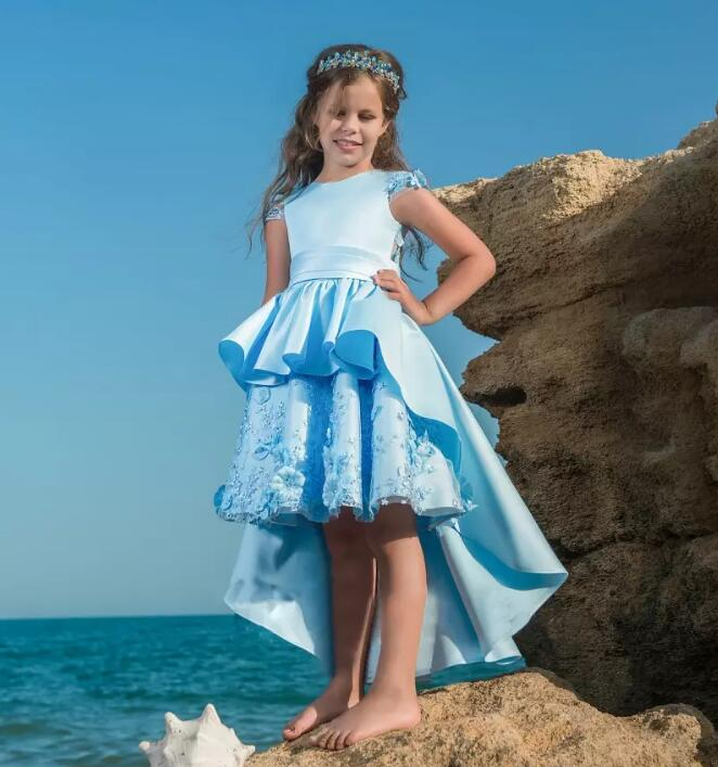 New Sky Blue Hi Lo Flower Girls Dresses for Beach Wedding Lace Appliques with Train Girls Pageant Gown Custom Made Size 2-16Y