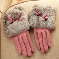 2019 Winter Women Knitted Wool Gloves Wrist Rabbit Hair Elegant Bowknot Five Fingers Thermal Lady Glove NEW T147