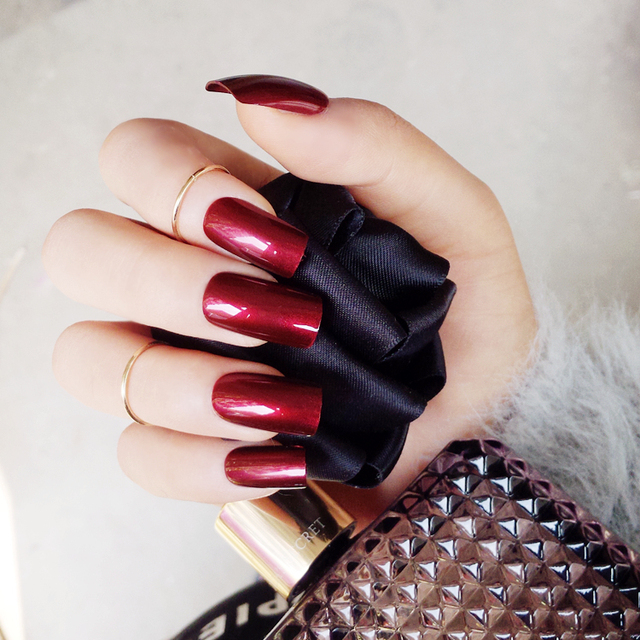 faux ongles vampire