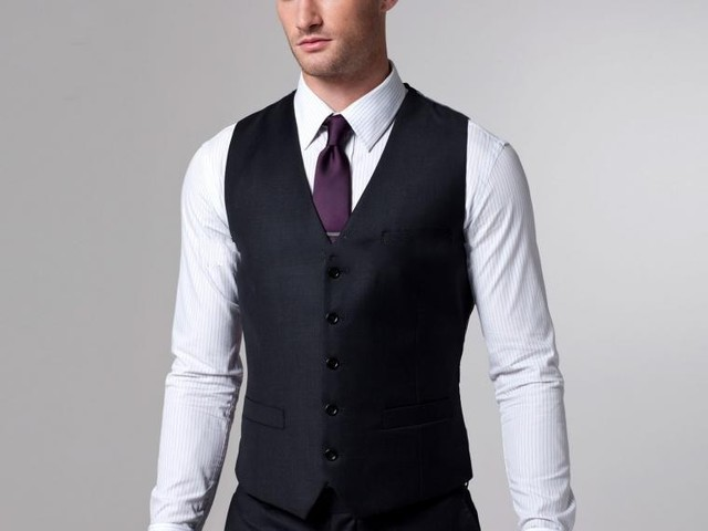 2017 Hot Sale Groom Vests Black Groomsmens/Best Man Vest Slim Fit Custom Made Five Buttons Vest Wedding/Prom/Dinner Waistcoat