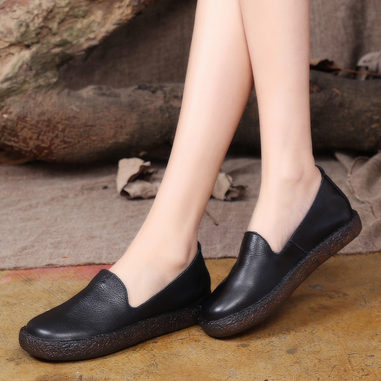 ФОТО 2017 spring female shoes casual slip on flat platform women shoes handmade head layer cowhide leather shoes black white