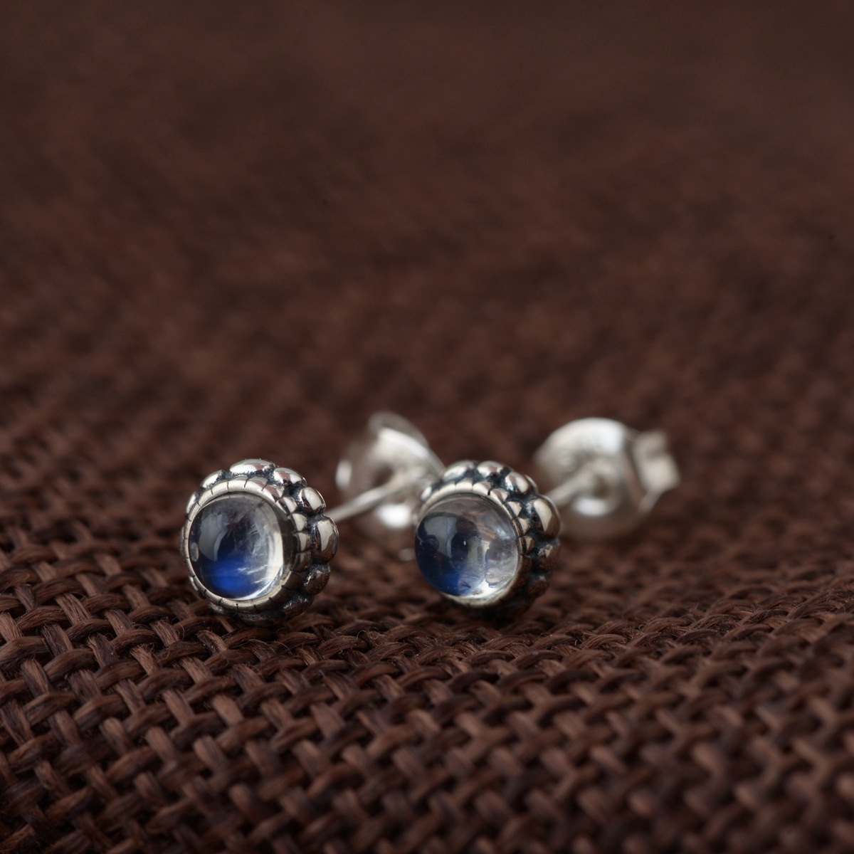 S925 silver antique process Female moonstone simple stud earrings Circular fine wholesale