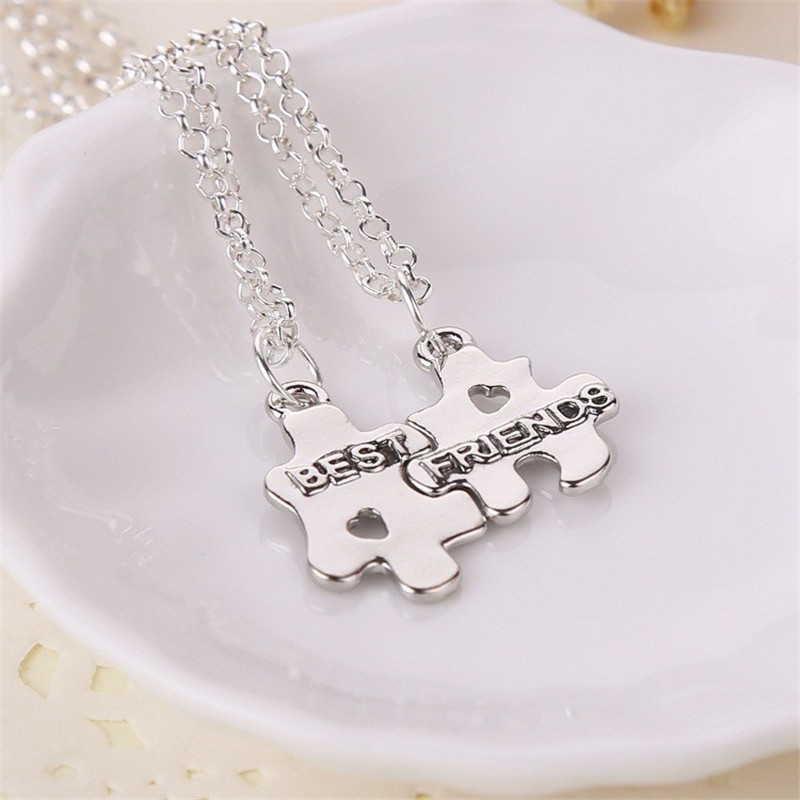 Fashion Charm Jewelry Friendship Couple Sets of Chains Best Friends Holding Hands Pendants Necklace Hot Selling