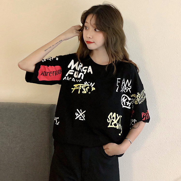 T-shirts Women Graffiti BF European Style Loose Harajuku Hip Hop Streetwear Chic Couple Clothes Unisex Daily Tshirt Womens Soft 106