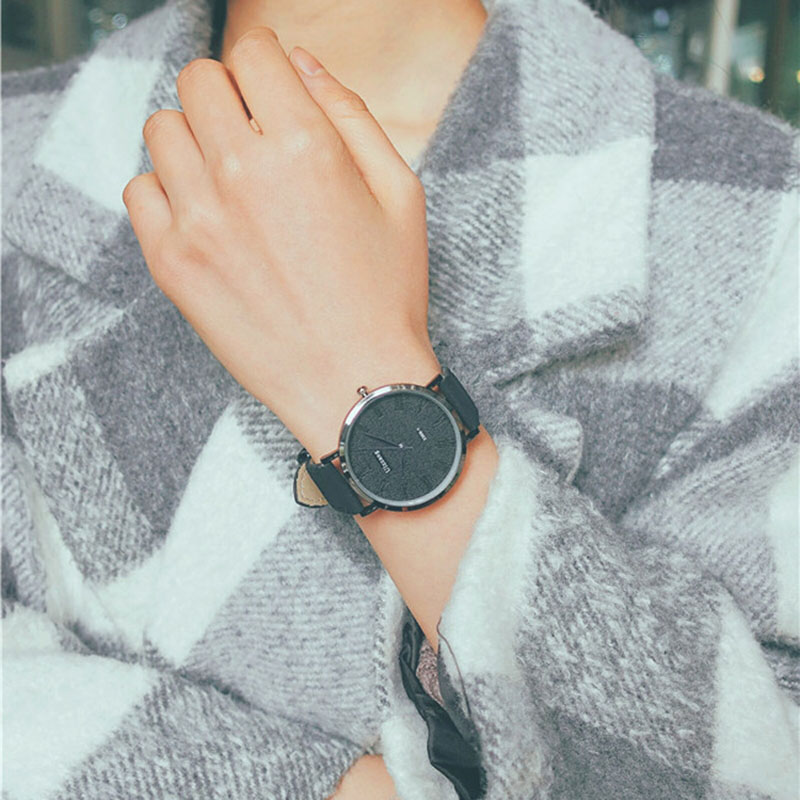 1 Pcs Women Men Couple Wrist Quartz Watch Round Alloy Case Fashion Casual Gift NGD88
