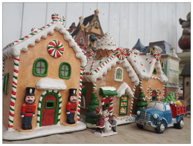 retro european small town ceramic hut confectionery house cookie house mini streetscape sand table home decoration - Retro Decorations For Home