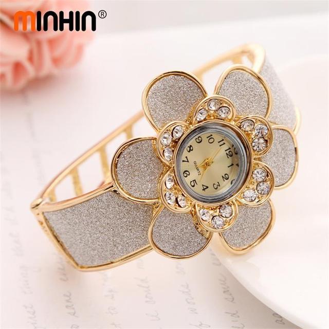 12367d0c5afe MINHIN Big Flower Design reloj brazalete para mujer chapado en oro hueco  pulsera de cuarzo de