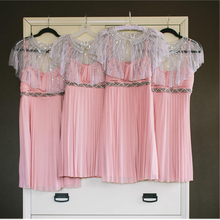 Neue Design rosa pailletten short chiffon Brautjungfer Kleider mit schärpen Knielangen ballkleid vestidos para festa BMD198