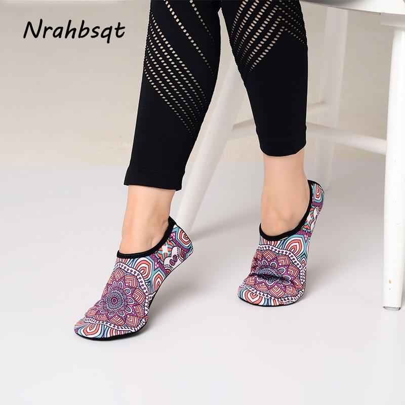 NRAHBSQT Ultralight Professional Yoga Non-slip Shoes Socks Indoor  Ballet Dance Pilates Printed Yoga Socks Women SS034