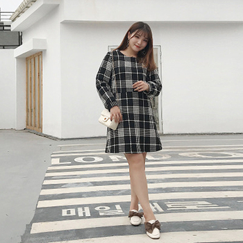 2018 Autumn And Winter New Fat mm Large Size Black And White Check With Wool Long-sleeved Slim Dress Comfortable