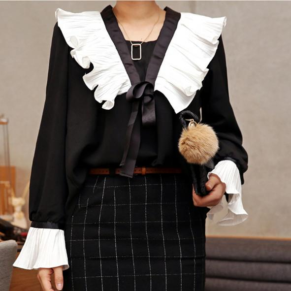 new Women V-neck bow tie loose chiffon shirt ol white blouse Pleated long-sleeved flare shirt