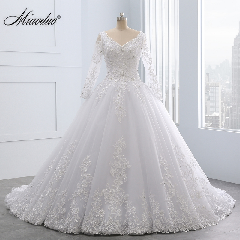 Miaoduo Backless Lace Ball Gown Wedding Dresses 2018 More Appliques Pearls Cheap Bridal Gowns Vestido De Novias Cathedral Train