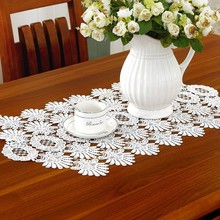 Exquisite European White Hollow Embroidered Lace Placemat Table Runner Mats Coffee Pad Desk Flag Wedding Tablecloth Decor Tassel цена