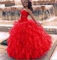 Cor vermelha vestido de Baile Vestidos Quinceanera 2016 Off The Shoulder Querida Ruffles Em Camadas Plissado 15 Anos Vestidos Doce 16