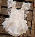 Cute Baby Girls Ruffles Lace Rompers Bows Beige Color Fly Sleeve Cute Princess Rompers Wholesale