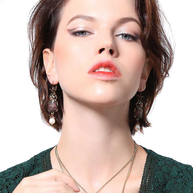 キス私女性カブトムシブラブライヤリングユニークな亜鉛合金ヴィンテージラインストーン養殖真珠のイヤリングファッションジュエリー