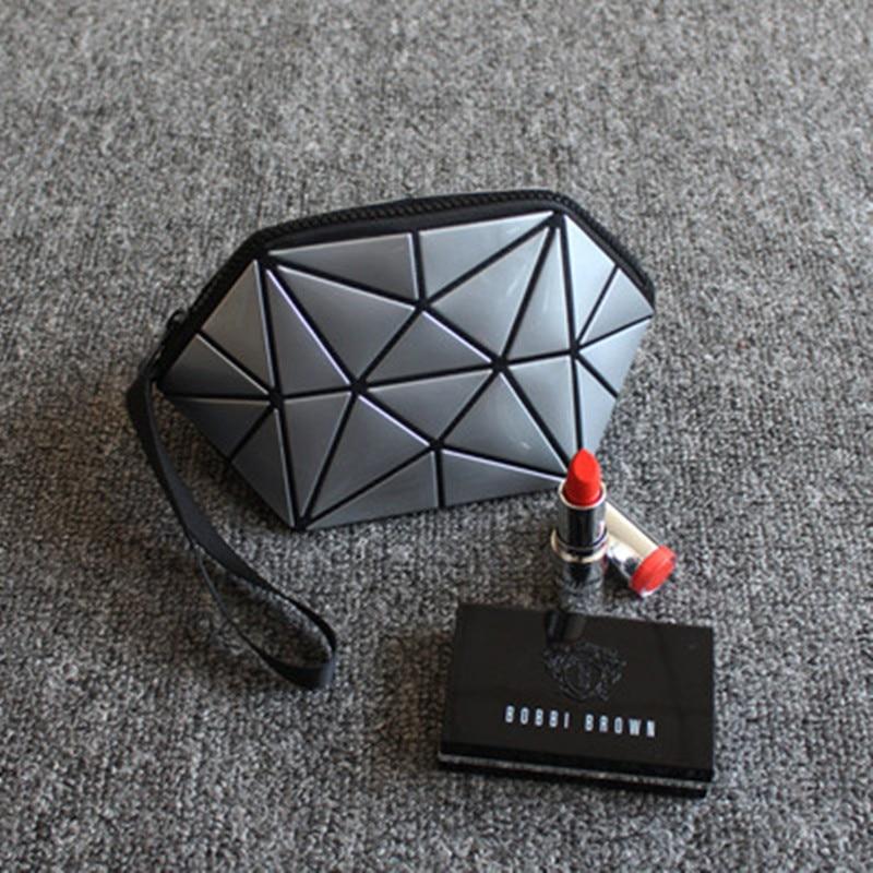 2018 New Geometric Zipper Cosmetic Bag Women Luminous Makeup Bag Ladies Cosmetics Organizer Folding Travel Make Up Bag Wholesale