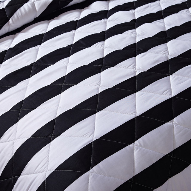 Online Shop PapaMima Black And White Stripes Print Summer Quilt Enchanting Black And White Striped Throw Blanket