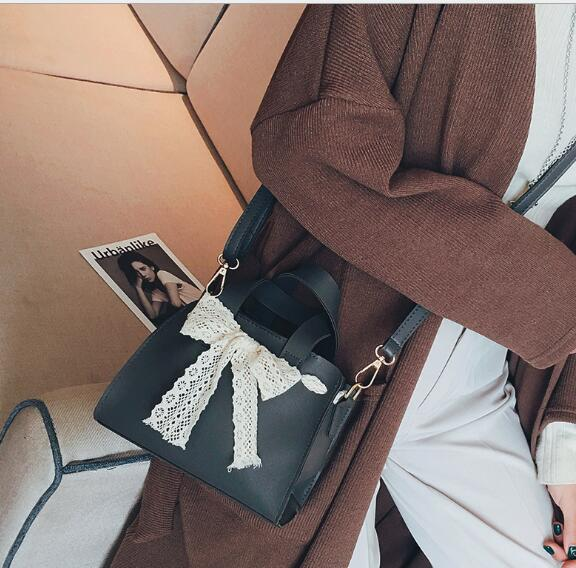Free shipping FRBandis 2018 New fashion Pu lady with small handle bag and shoulder bag