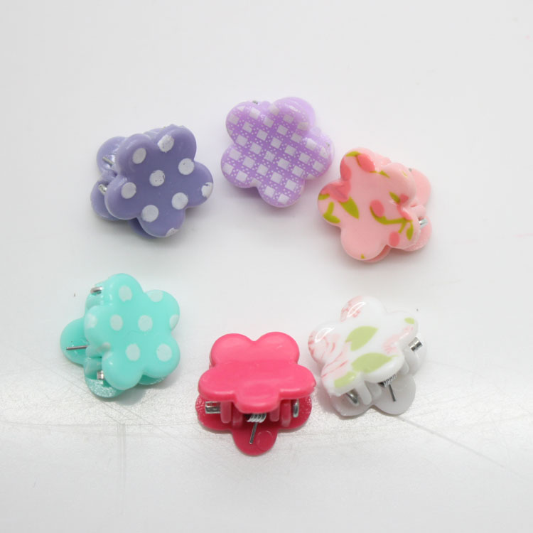 12 Pcs/set cute hair claw clips mini plastic hair clips girl's fashion flower shape hair pins hair accessories 1 set new girls colorful carton hair clips small crabs hair claw clips mini hairpin kids hair ornaments claw clip