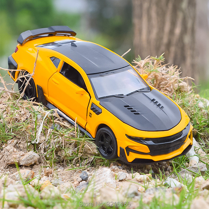New 5 Colors 16CM Alloy Model Camar Car Diecast Toys Vehicles Xmas Gift For Children Hot Sale With Rubber Wheels Sound Light