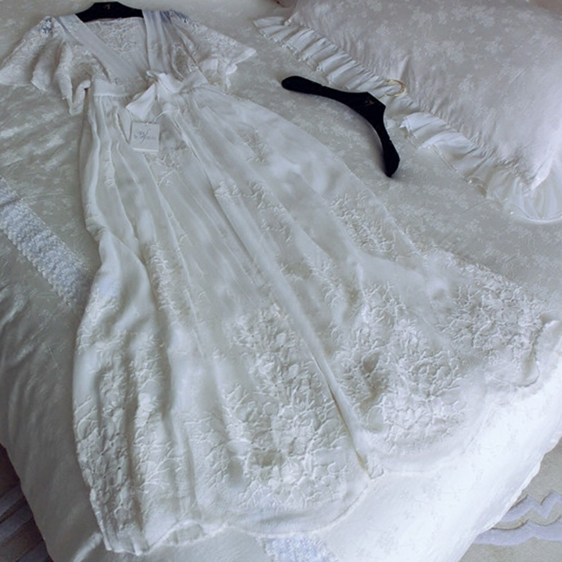 RenYvtil High end Lady s Embroidered Long Robe Summer Sexy Pajamas Home Wear Short Sleeve Silk