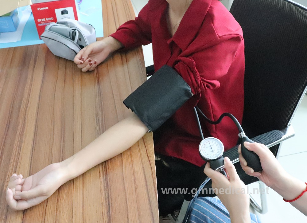 Aneroid Sphygmomanometer Adult Manual Blood Pressure Cuff with Single Head Stethoscope in Blood Pressure from Beauty Health