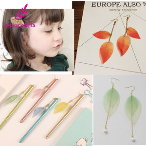 Image 5 - Lucia crafts 40pcs/100pcs 6.5*3cm Random mixed color Natural skeleton leaves for Party Home Decor DIY Handmade Materials C0702