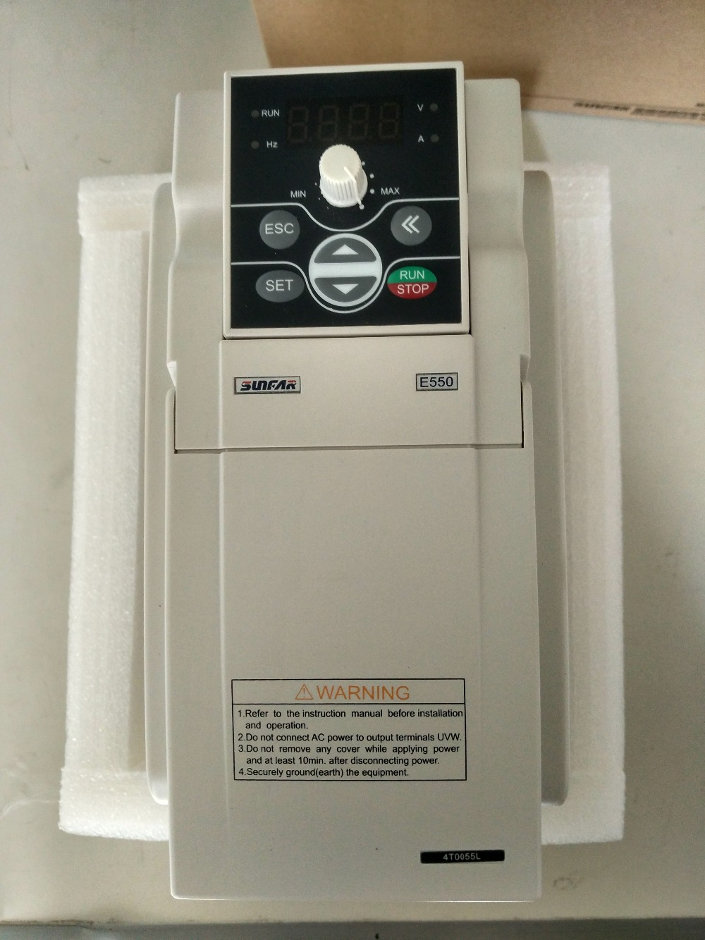 цена на SUNFAR 5.5KW 7.5HP 1000HZ VFD Inverter Frequency converter 3 phase 380v input 3phase 0-380v output 13A Engraving spindle motor