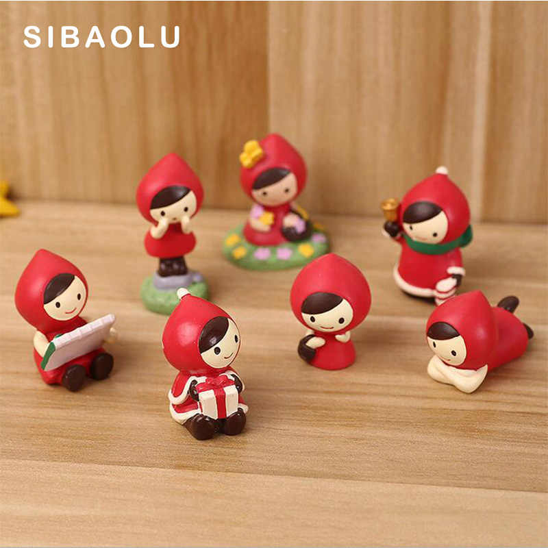 Christmas Red Cloth Miniature Girl figurine Home Decoration wedding Mini Fairy Garden statue Resin craft toy ornaments TNJ056