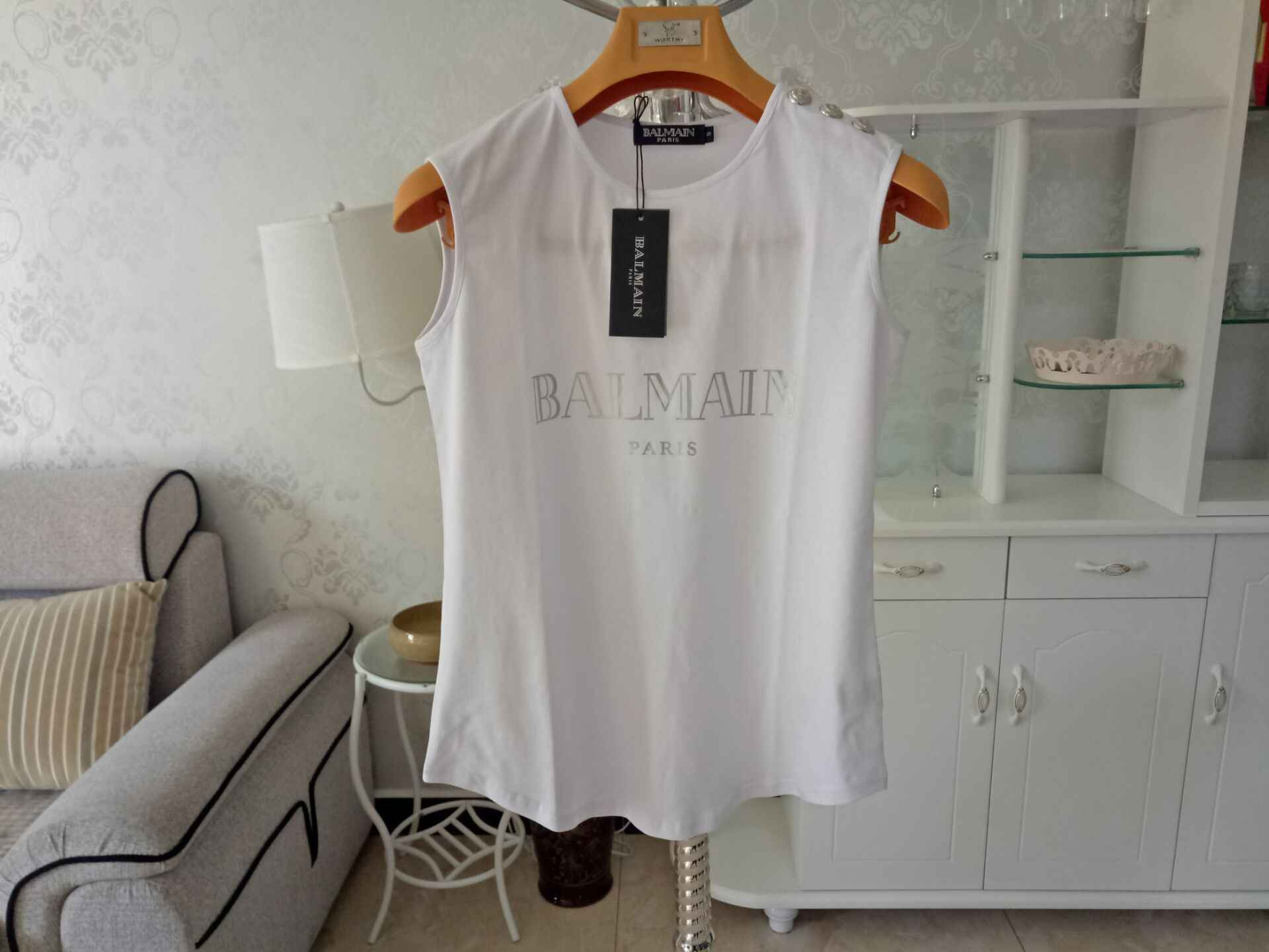 2019 Balmain Women Designer T Shirt with Botton on Shoulder Fashion Women  Clothing Sleeveless Woman TShirts