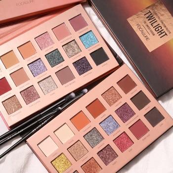 Ombre à paupières 18 couleurs Produits de maquillage Bella Risse https://bellarissecoiffure.ch/produit/ombre-a-paupieres-18-couleurs/