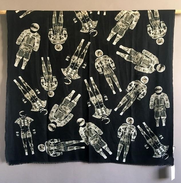 Sciarpa di Cachemire puro Delle Donne di Marca di Lusso Del Progettista Astronauta Sciarpe Bandane Scialli Avvolge Autunno Inverno Caldo Femme Foulard 110*200