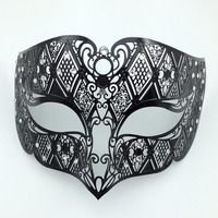 Free Delivery Women Sexy Black Hollow Out Mysterious Gothic Masquerade Mask Sexy Black Pirate Half Face