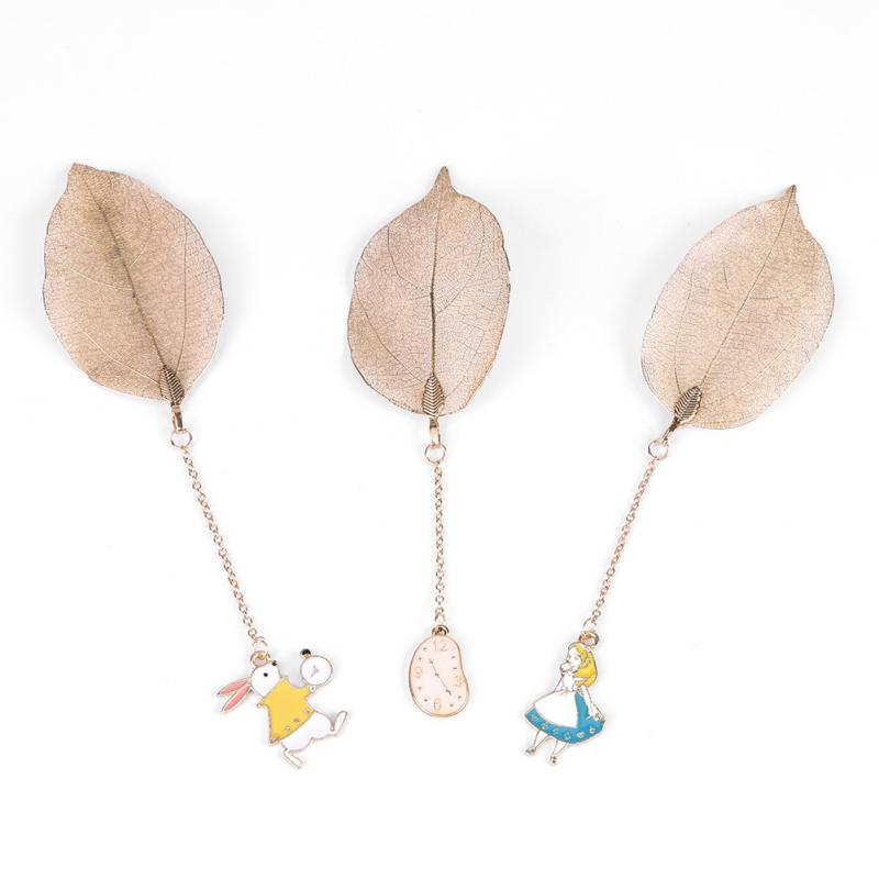 1Pc Gold Metal Leaf Bookmark with Alice/Rabbit/Clock Pendant for Book Paper Reading