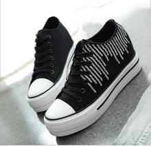 In the fall and winter of 2016 and the new trends in Europe and the low help increased thick bottom Women's shoes canvas shoes