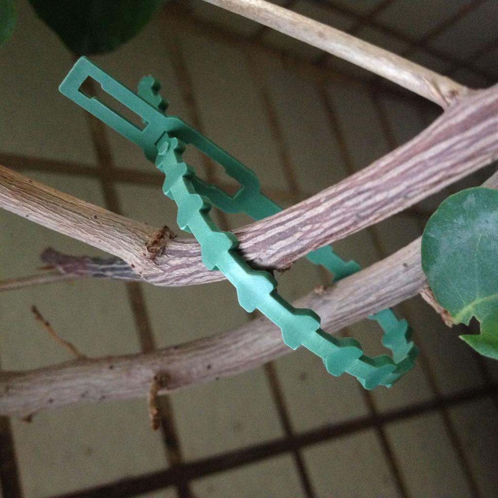 30Pcs 16.5cm Green Garden Cable Ties Plastic Gardening Clips Climbers Twists Strips Garden Supplies