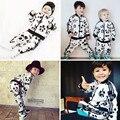 2017 ВЕСНА ОСЕНЬ ДЕТИ panda толстовки + брюки 2 шт. комплектов одежды мальчика детская одежда девочка одежда детская одежда kikikids