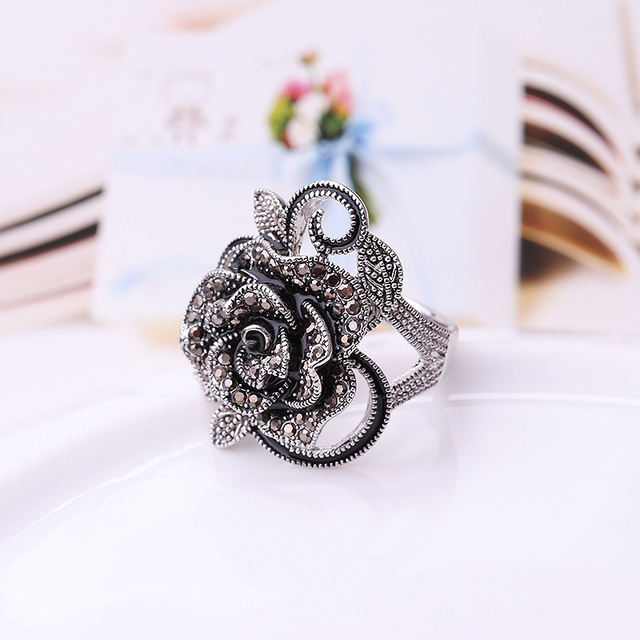 Fashion Retro Crystal Silver Plated Flower Ring